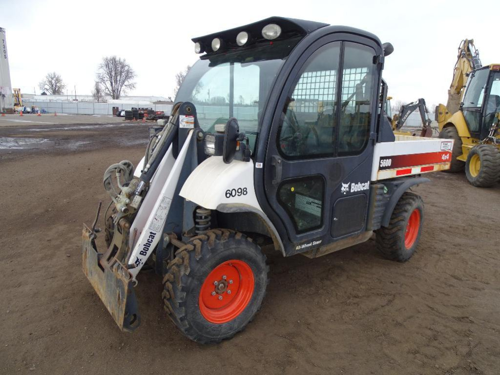 2009 Bobcat 5600 4x4 Tool Cat, Enclosed Cab w/ Heat & A/C, Hydraulic Dump Bed, Front Auxiliary