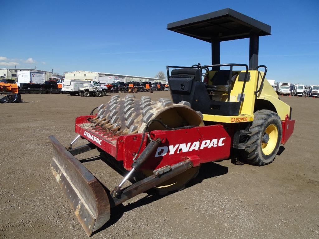 2000 Dynapac CA152PDB Ride-On Vibratory Sheepsfoot Compactor, 66in Drum, 88in Front Blade, Canopy,