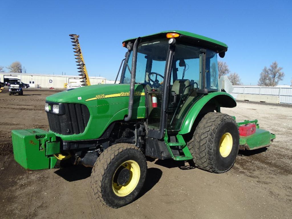 2005 John Deere 5525 4WD Agricultural Tractor, Enclosed Cab w/ Heat & A/C, PTO, 3-Pt, John Deere MX6
