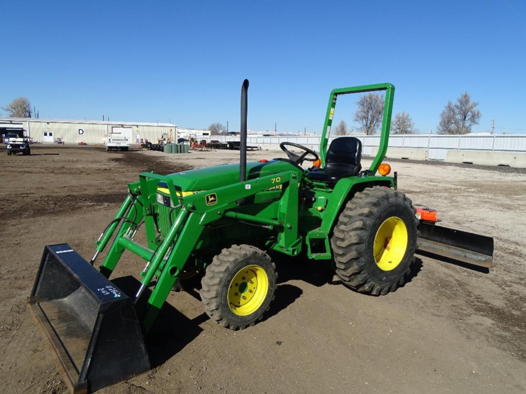 John Deere 790 4WD Tractor/ Loader, PTO, 3-Pt, Model 70 Loader Assembly, Land Pride RB1572 Blade