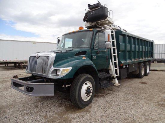 2006 INTERNATIONAL 7400 T/A Grapple Truck, DT570 Diesel, Automatic, Hendrickson Spring Suspension