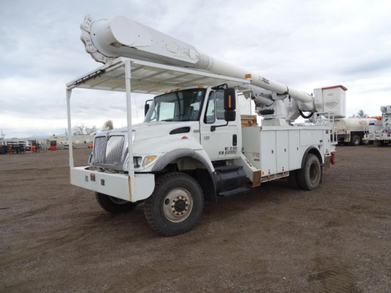 2006 INTERNATIONAL 7500 S/A 4WD Bucket Truck, HT570 Diesel, Automatic, Spring Suspension, Altec