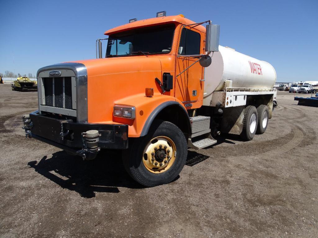 2001 FREIGHTLINER T/A Water Truck, Caterpillar C-12 Diesel, Automatic, Tuf-Trac Suspension, 3500