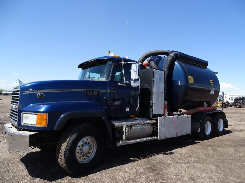 2001 MACK CL719 T/A Hydro Vac Truck, Mack E7 Diesel, 400HP, Eaton/Fuller 8-Speed Transmission