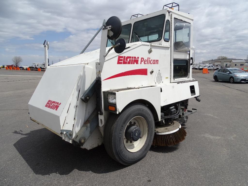 2004 Elgin Pelican Street Sweeper, Series P Dual Gutter Brooms, Dual Steer, John Deere 4-Cylinder
