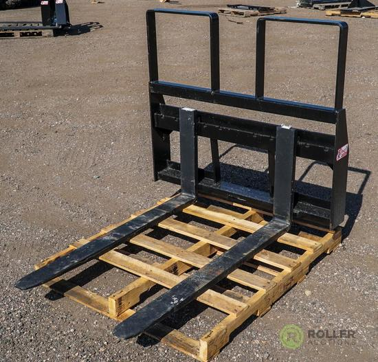 New 48in Pallet Fork Attachment To Fit Skid Steer Loader, 4200 LB Capacity, Step Thru Frame