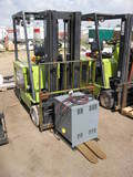 Clark ECS30 5000 lbs Capacity Electric Forkift, 2-Stage w/ Charger, 3035 Hours