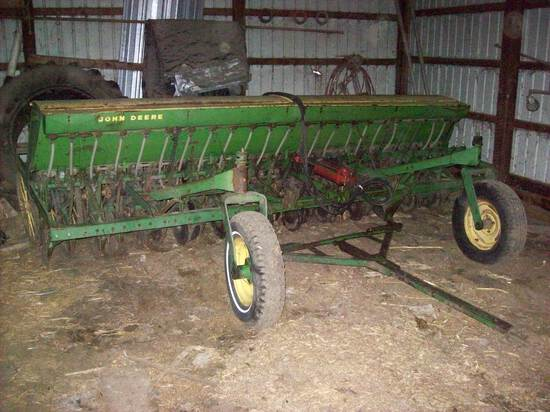 JD 14' Grain Drill With Grass