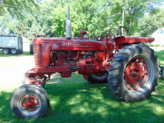 Farmall M Gas, WF, Fenders Square 13.6-38 (like new tires)