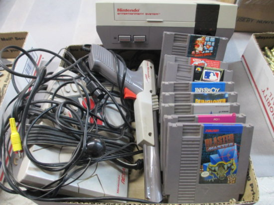 Nintendo Game System W/Game Accessories/Chords & 8 Games Super Mario Punch Out & More Con 9