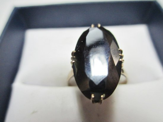 18K Gold Ring - Size 6.5 - con 797