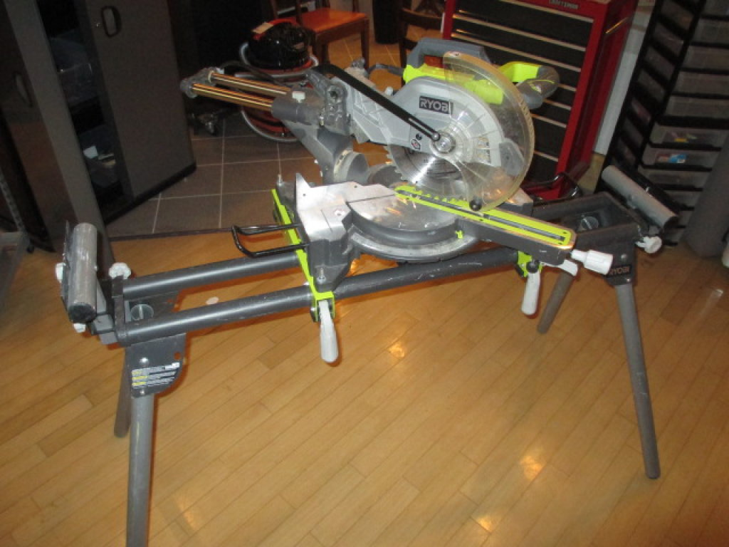 Ryobi 10 inch Compound Slide Miter Saw and Stand working Will Not Be Shipped con 75