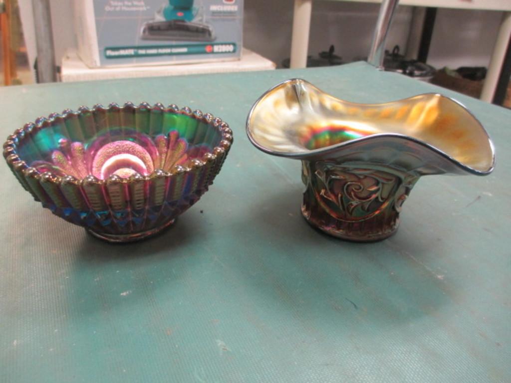 2 pcs of Carnival Glass con 635