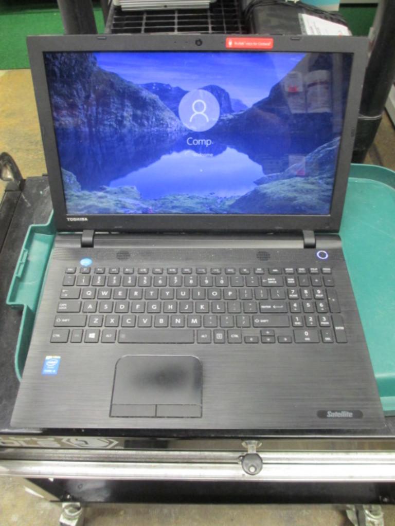 Laptop Windows 10 - Intel I-5 8G Ram - 1TB Hard Drive - con 651