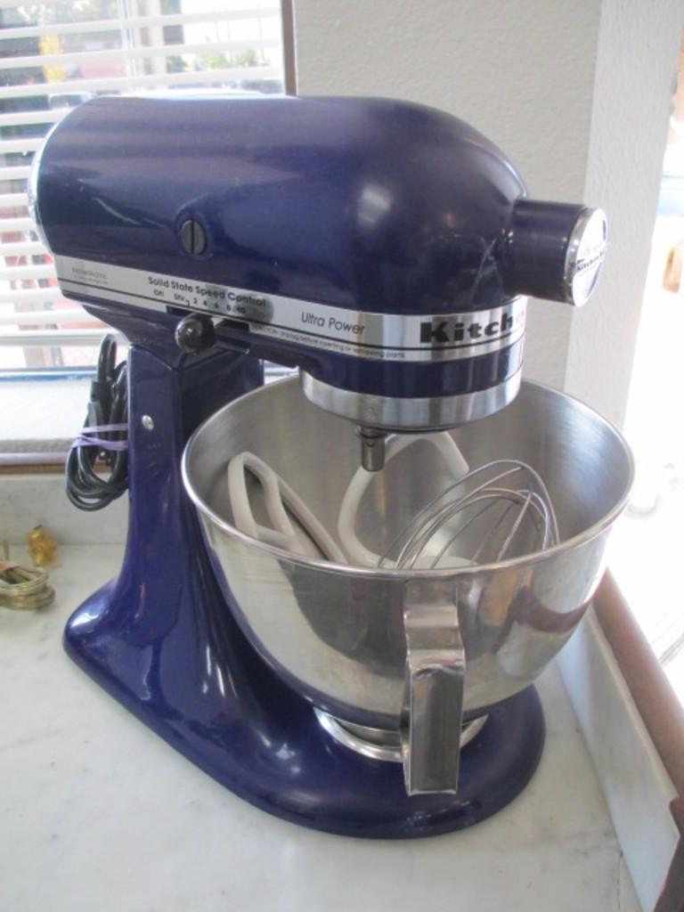 Kitchen Aid 300 Watt Mixer W Auctions Online Proxibid