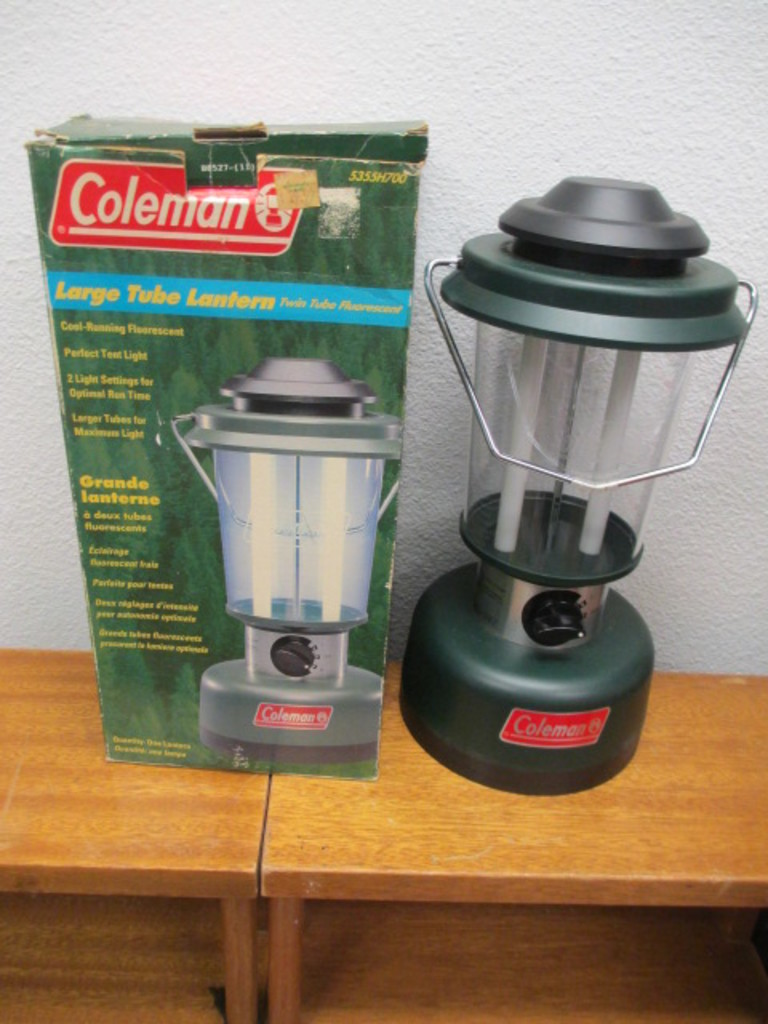 Lot: Coleman Large Tube Lantern - Will not be shipped - con