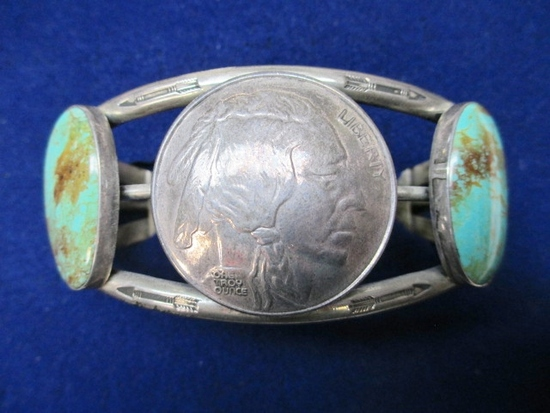 Silver and Turquoise Bracelet - Plains Indian - con 748
