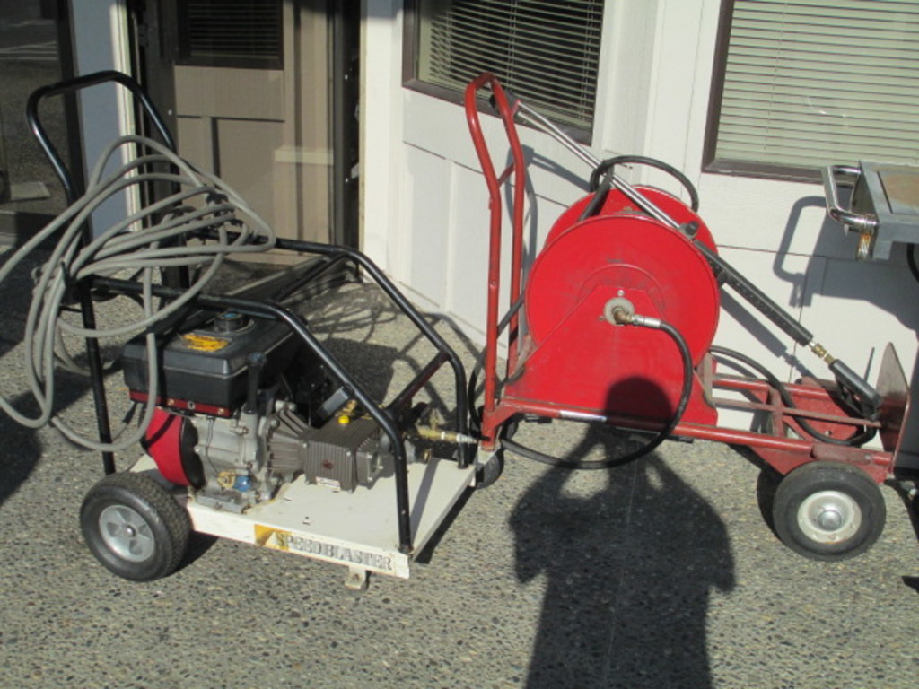 4000 PSI Pressure Washer - 9 hp Vanguard Motor - Will not be shipped - con 13