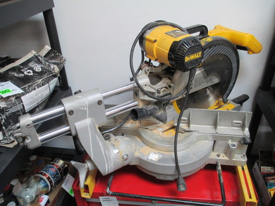 DeWalt Radial Arm Saw - Will not be shipped - con 555