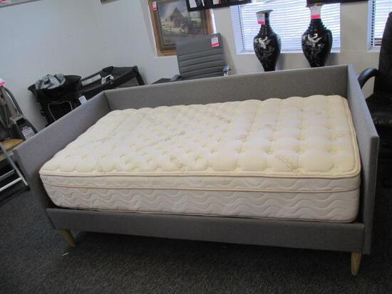 Twin Modern Day Bed with Pillow Top Mattress - Will not be shipped - con 699