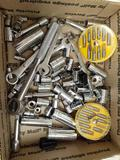 Assorted Tools - con 672