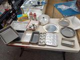 Lot of Bakeware - Will not be shipped - con 672