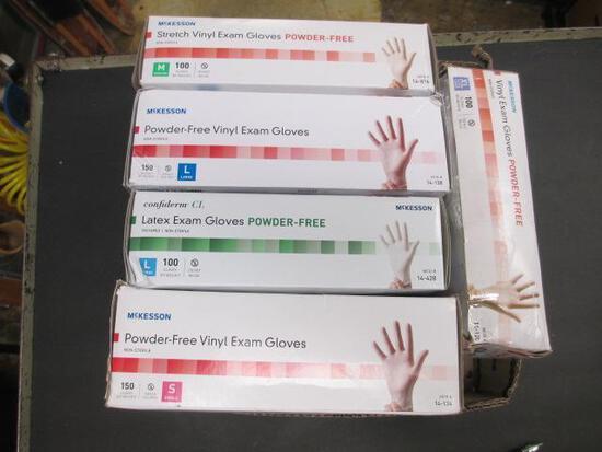5 Boxes of Various Size Powder Free Exam Gloves - con 831