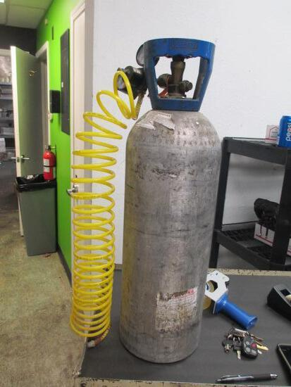 CO2 Tank with Guage & Hose - Will NOT be Shipped - con 836