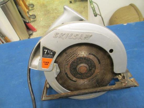 Skilsaw - will not ship - con 555