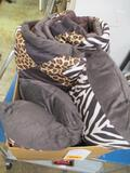Exotic Animal Comforter and Pillows - will not ship - con 1