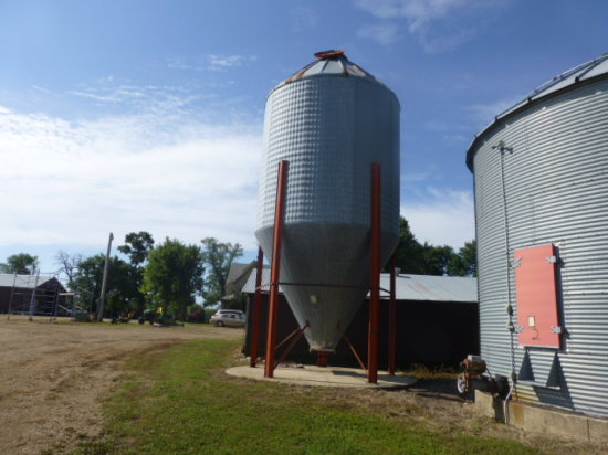 Behlen Hopper Tank