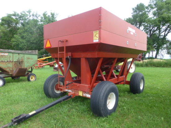 Minnesota 400 bu. Gravity Wagon w/side & center dump w/Clay belt seed conveyor