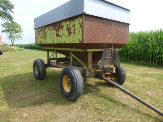 Parker 200 Gravity Wagon w/Seed Auger