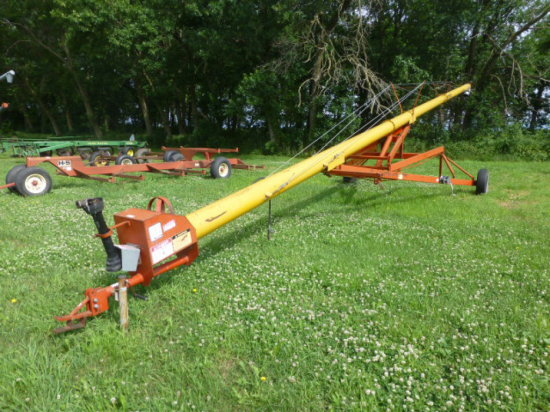 "Mayrath 61' PTO 10"" Auger w/hopper"