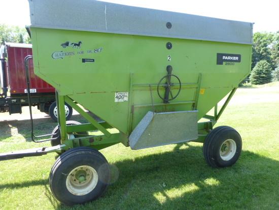 Parker 2600 400 bu. Gravity Wagon on 12 ton gear