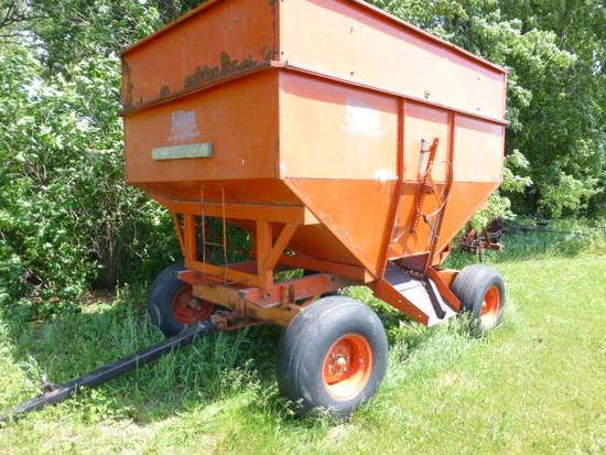 Killbros 350 Gravity Wagon & Minn 10 ton gear