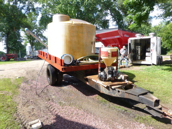 1,500 gal. tank on Trailer
