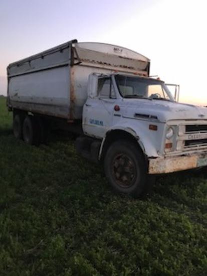 1970 Chev C60 Grain Truck