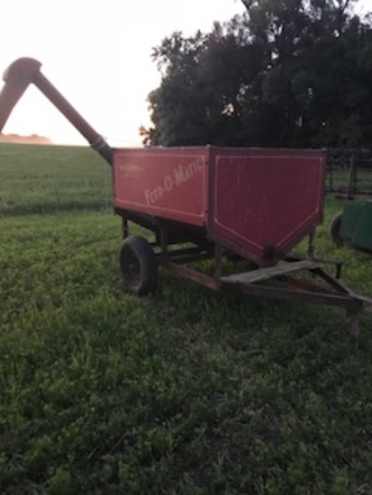Feed-O-Matic PTO 2-Wheel Feed Cart