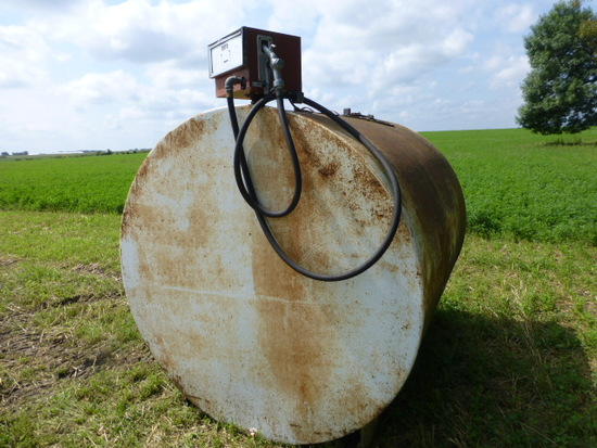1,000 Gal Fuel Barrel & pump