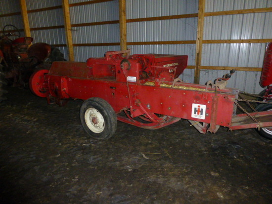 IH 430 Small Square Baler