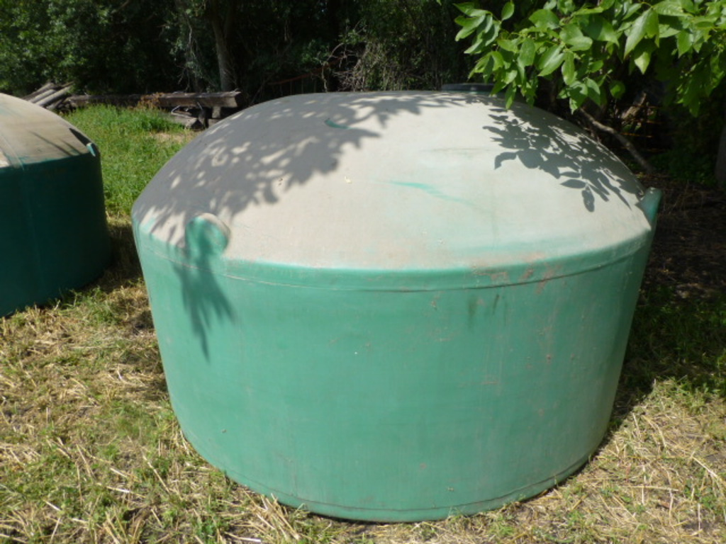 Approx. 1,100 Poly Water Tank
