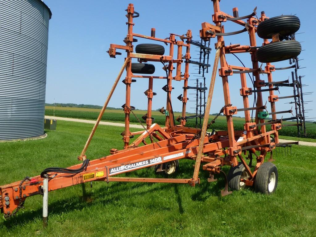 Allis Chalmers 1400 30' Field Cultivator