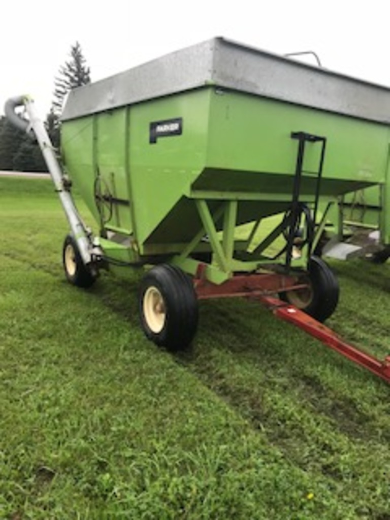 Parker300 bu. Wagon & Seed Auger