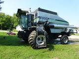 Gleaner R60 Combine
