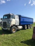 1976 IH 4070 Cabover Truck