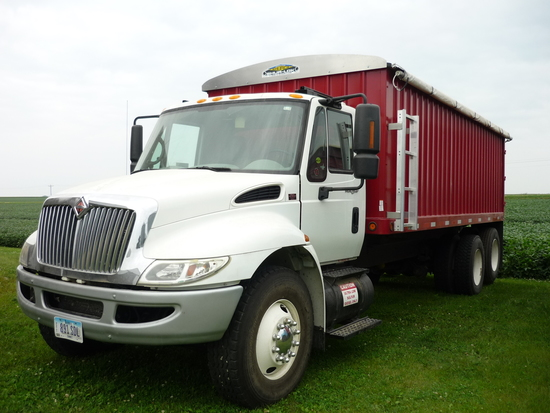 2007 International 4300 SBA Grain Truck