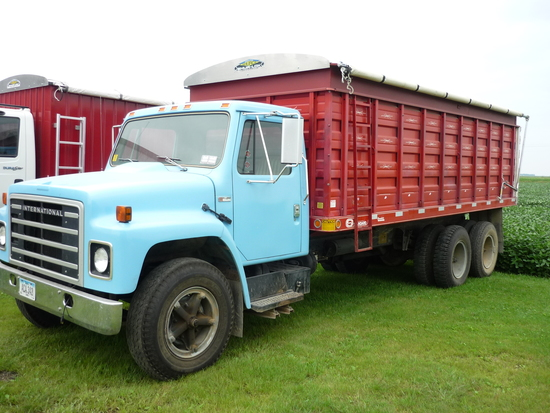 1978 International 1854 Grain Truck
