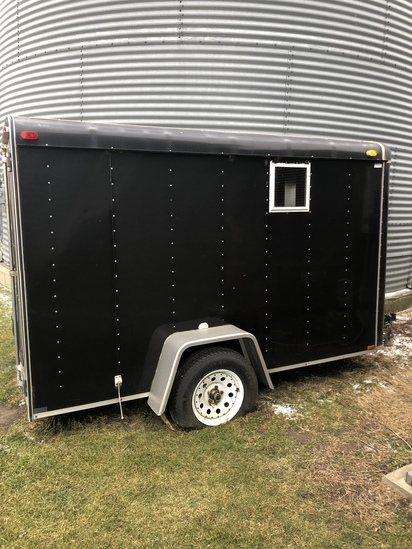 1998 Timber Wolf Enclosed Trailer