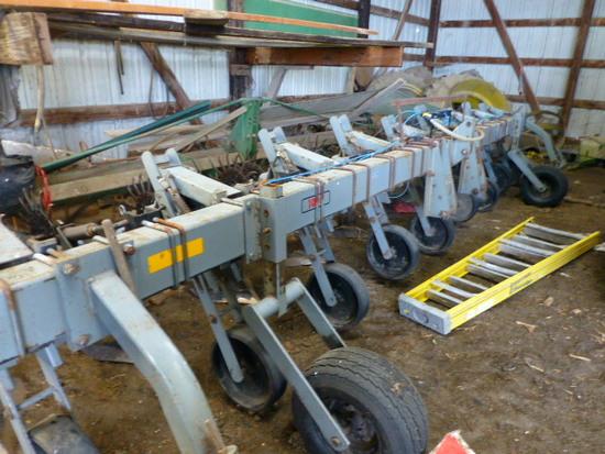 Hiniker 1000 8-30 Single Sweep Cultivator